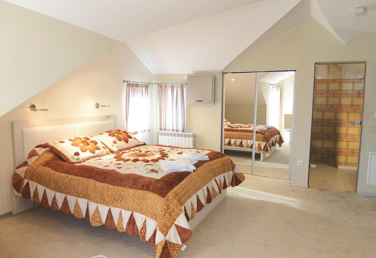 Mola Hotel Room